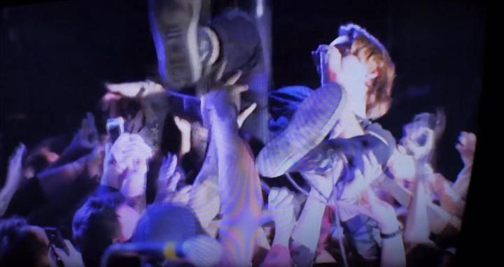 transpose-bad-sun-crowd-surfing--music-video-screenshot